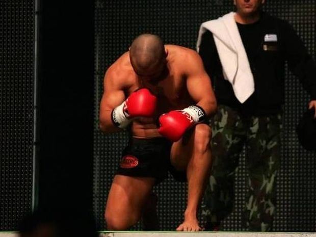 Ζαμπίδης Κ-1 World Max 2012: Και τα σίδερα λυγίζουν…(photos)