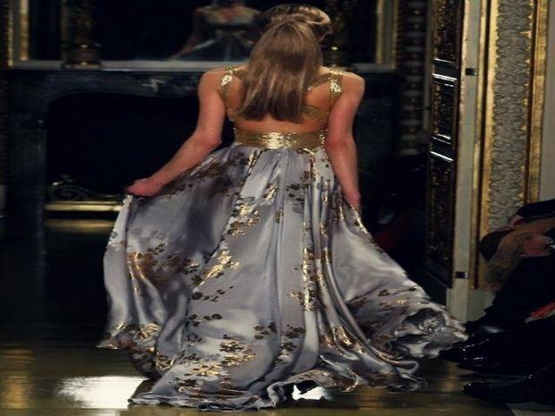 Lunar Dance: Τι να φορέσετε στο ρεβεγιόν της Πρωτοχρονιάς