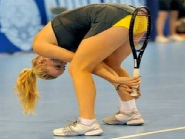 «Καυτά» φωτογραφικά κλικ στα γήπεδα τένις