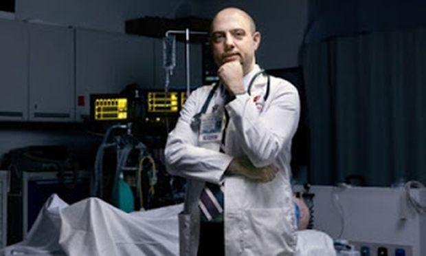 Ένας γιατρός που ανασταίνει νεκρούς!