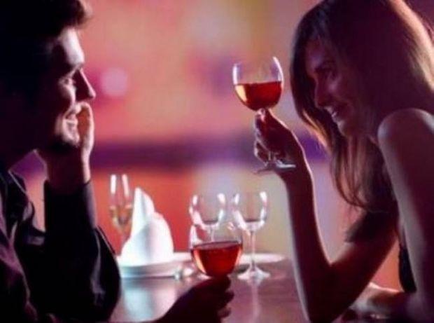Oι 5 πιο ανόητοι τρόποι που χρησιμοποιούν οι άντρες για να μας ρίξουν