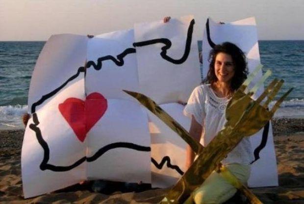 Δείτε την Ελληνίδα που διεκδικεί την καλύτερη δουλειά του κόσμου