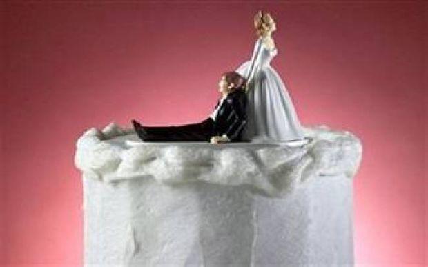 Κορυφαίο: Ο διάλογος ενός ζευγαριού πριν και μετά το γάμο