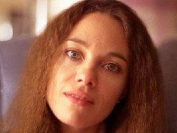 Η καλλονή μητέρα της Αντζελίνα Τζολί που πέθανε από καρκίνο στα 56