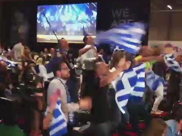 Δείτε τι έγινε στην αίθουσα τύπου την ώρα του Αγάθωνα και των Koza Mostra!!