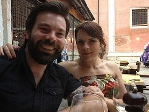 Σαν παραμύθι: Ζωγράφισε τον άντρα της ζωής της και... τον γνώρισε 2 μήνες μετά