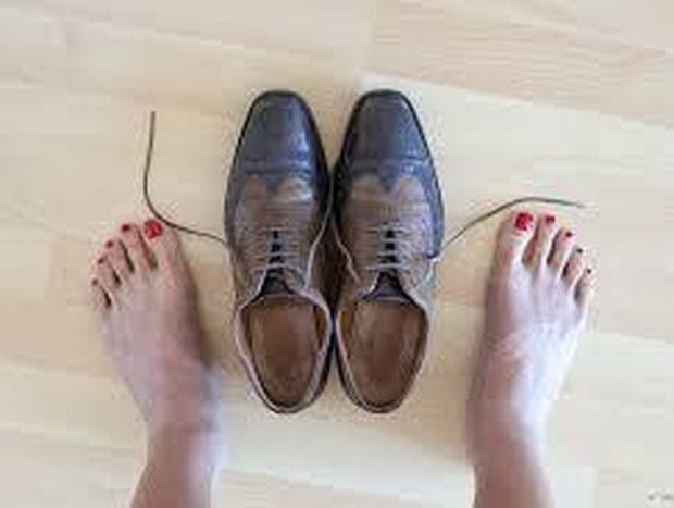 Στενά παπούτσια; Σας έχουμε τη λύση για να μην υποφέρετε