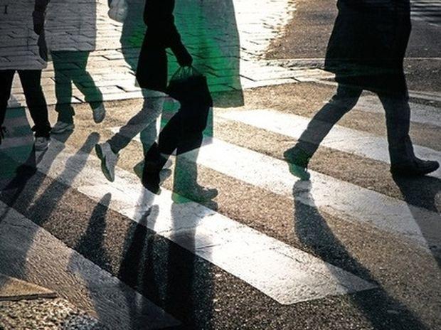 Τι λέει ο τρόπος που περπατάτε για την ερωτική σας ζωή!