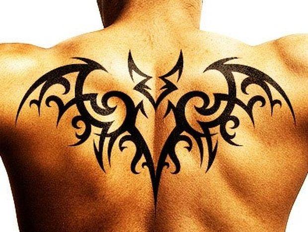 Πες μου πού έχεις τατουάζ να σου πω ποιος είσαι!