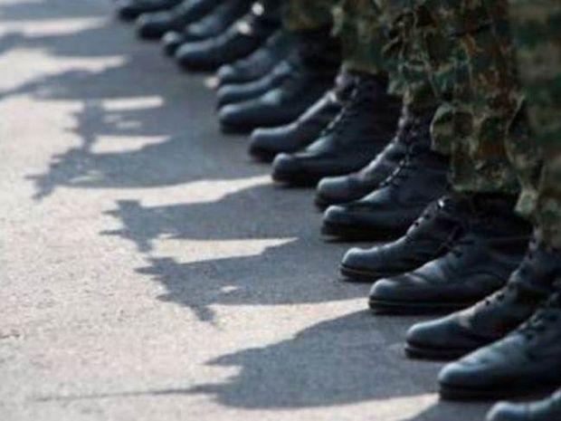 Στρατιωτική θητεία: Τέλος τα «βύσματα» - Υποχρεωτικά 6 μήνες στα σύνορα