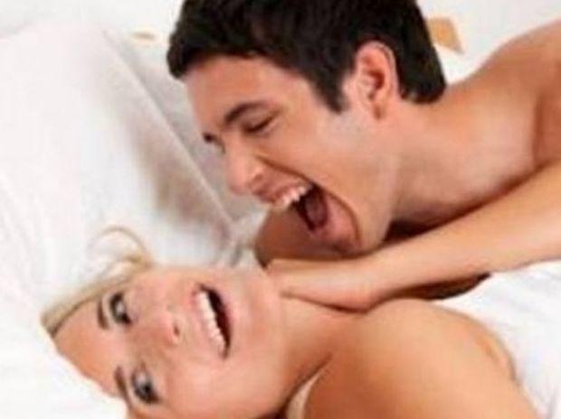 Δείτε τι έπαθε επειδή έκανε πολύ θόρυβο στο σεξ...