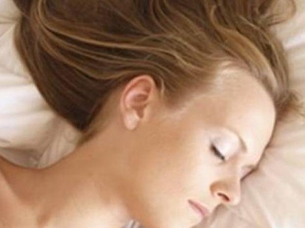 5 λόγοι που ξυπνάτε κουρασμένη ακόμα και μετά από ένα 8ωρο ύπνου
