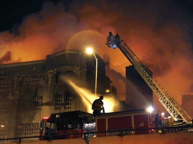 ΑΠΙΣΤΕΥΤΟ: Όταν προσπαθείς να σβήσεις μία πυρκαγιά και έξω έχει παγωνιά…