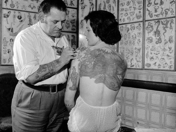 ΔΕΙΤΕ: Τα τατουάζ του παρελθόντος