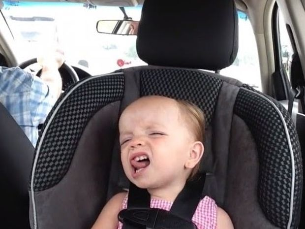 VIDEO: Αυτό το μωράκι θα το λατρέψετε!
