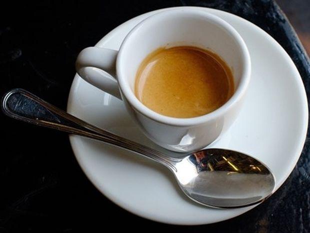 Τρελάθηκε και ο Ιταλός με τη τιμή του espresso στη Ψαρρού! Μας έκανε βούκινο στο instagram…