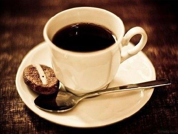 Δεν προλαβαίνετε να πιείτε ΚΑΦΕ το πρωί; Ψεκαστείτε τότε με το... ΣΠΡΕΥ ΚΑΦΕΙΝΗΣ!!!