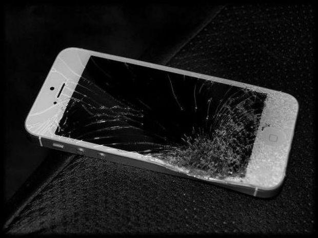 Ανεξήγητη έκρηξη iPhone 5 τραυμάτισε Κινέζα στο μάτι και στα χέρια της!