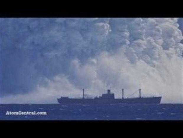 VIDEO: Τεράστια υποθαλάσσια έκρηξη ατομικής βόμβας