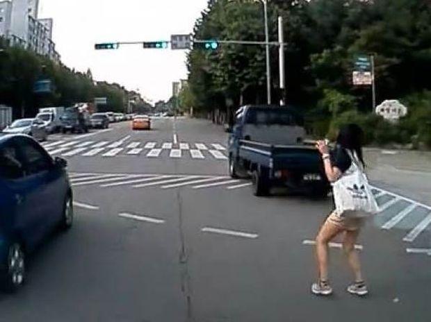 Βίντεο: Η κοπέλα είχε Άγιο!