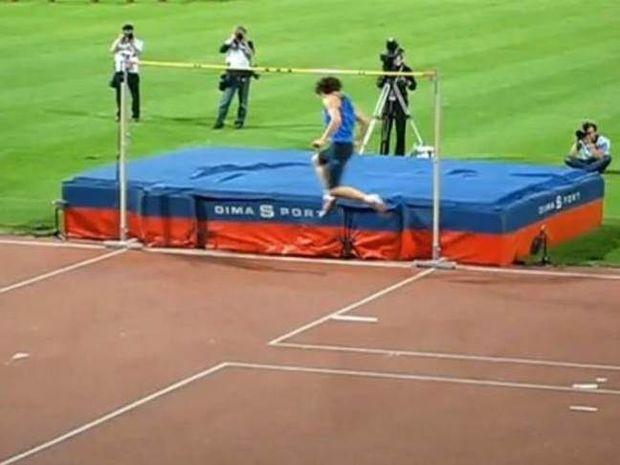 Επικό FAIL: Όταν Ολυμπιονίκης πήγε μεθυσμένος σε αγώνες!