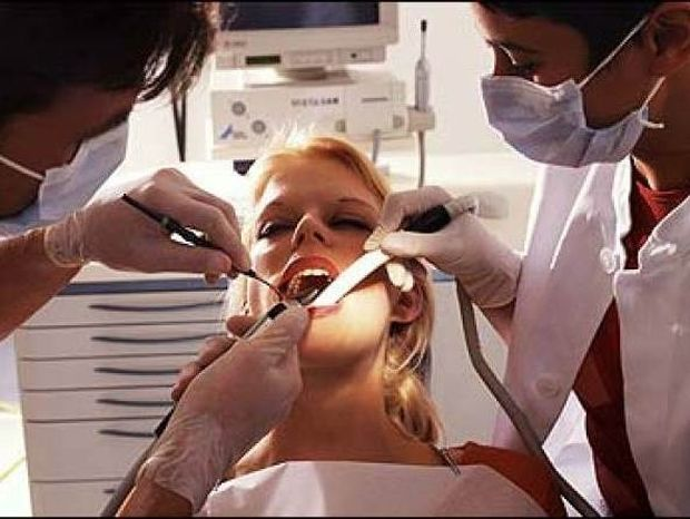 ΣΟΚ: Πήγε σε οδοντίατρο για 3 δόντια και δείτε σε τι κατάσταση έφυγε