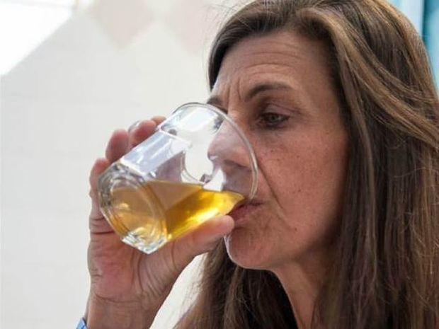 ΑΗΔΙΑ: Δεν θα πιστεύετε τι πίνει καθημερινά αυτή η γυναίκα! (pic)