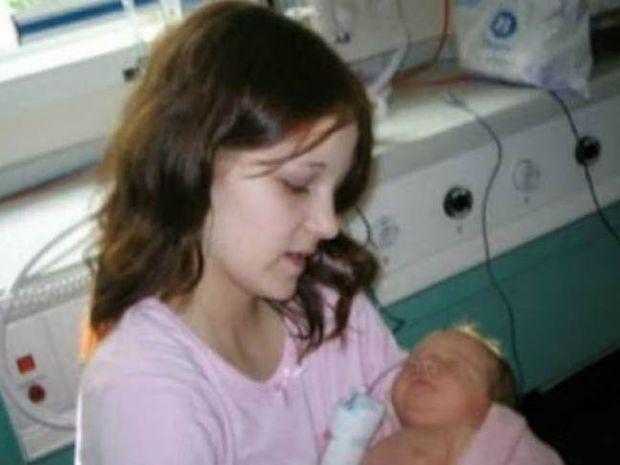 Ιστορία που συγκλονίζει:11χρονη έμεινε έγκυος από τον αδερφό της