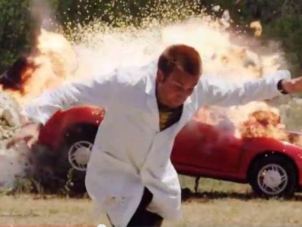 Βίντεο: Έκρηξη αυτοκινήτου σε αργή κίνηση