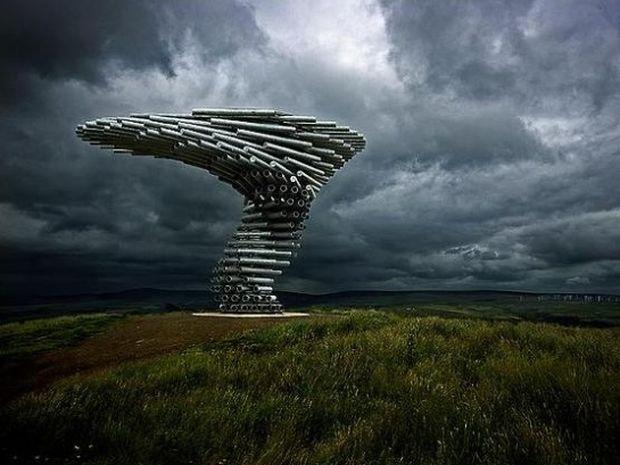 Κάπου στην Αγγλία, υπάρχει ένα γλυπτό που πιάνει τον αέρα και τον κάνει μουσική