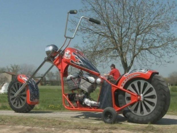 ΡΕΚΟΡ ΓΚΙΝΕΣ: Η μεγαλύτερη μοτοσικλέτα στον κόσμο!