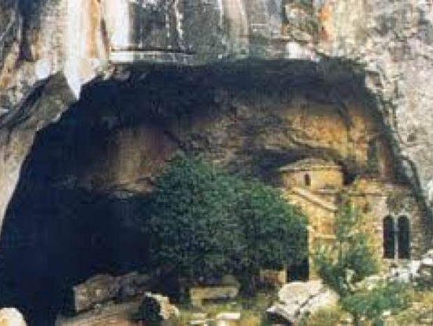 8 τόποι στην Ελλάδα που καλύπτονται από ένα... πέπλο μυστηρίου