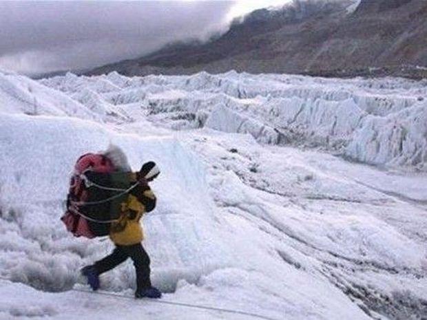 ΑΠΙΣΤΕΥΤΟ: Δείτε τι ανακάλυψε κάνοντας ορειβασία και έγινε… ΠΑΜΠΛΟΥΤΟΣ!