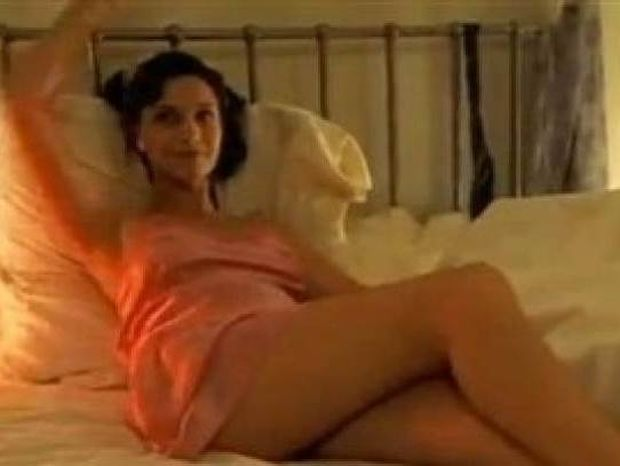 Ξεκαρδιστικό βίντεο: Δείτε τι έπαθε περιμένοντας τον σύζυγο