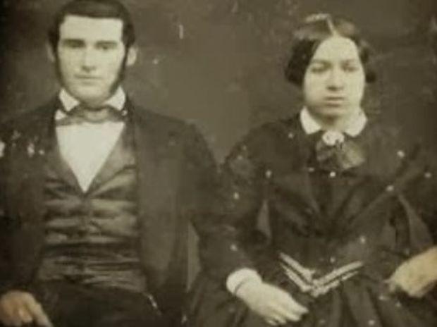 ΤΟ ΞΕΡΕΣ; Γιατί φωτογραφίζονταν αγέλαστοι στις παλιές φωτογραφίες;