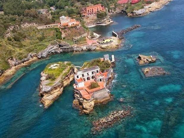 Αυτό είναι το καταραμένο νησί της Ιταλίας (pics)