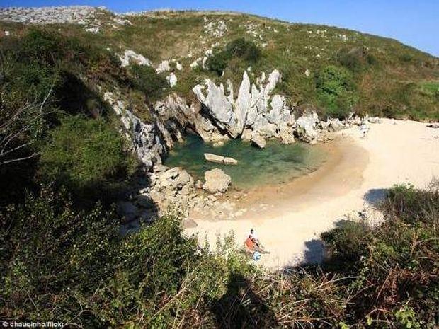 Η πιο παράξενη παραλία στον κόσμο (φωτο)