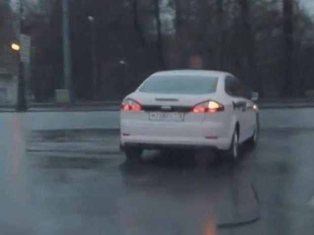 Αυτός ο οδηγός ξεπερνάει κάθε φαντασία (video)