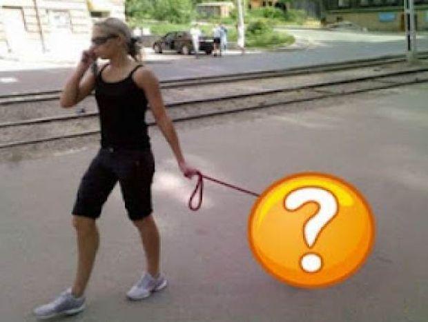 Απίστευτο: Δείτε πως κυκλοφορεί αυτή η γυναίκα! (pics)