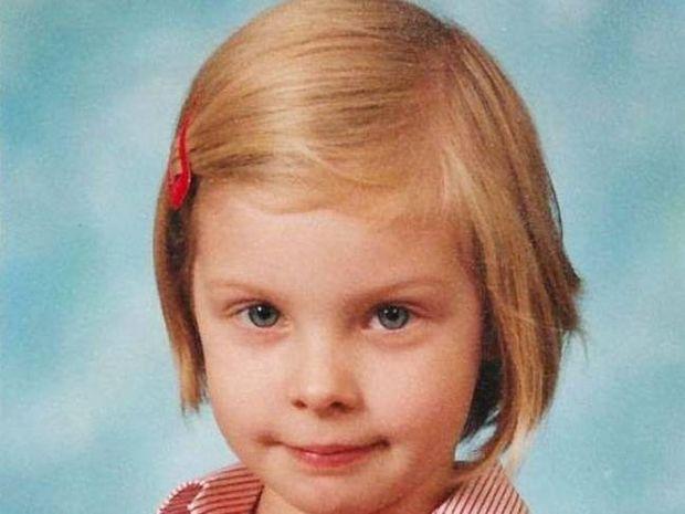 ΑΠΙΣΤΕΥΤΟ: Το κοριτσάκι μεγάλωσε και απέκτησε μία πολύ παράξενη εμμονή…