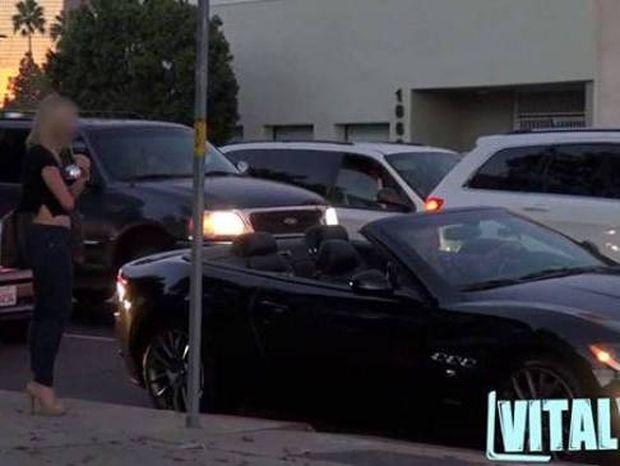 Ξεκαρδιστικό βίντεο: Καμάκι με το αυτοκίνητο - Φτωχός vs Πλούσιος