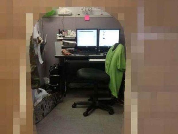 Δεν υπάρχει: Δείτε τι έφτιαξε στο γραφείο του για να μην το ενοχλούν!