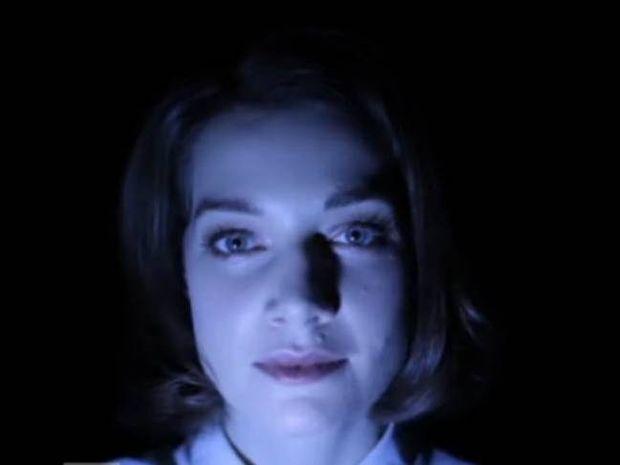 Καθηλωτικό: Δείτε πώς αλλάζει ένα πρόσωπο ανάλογα με τον φωτισμό