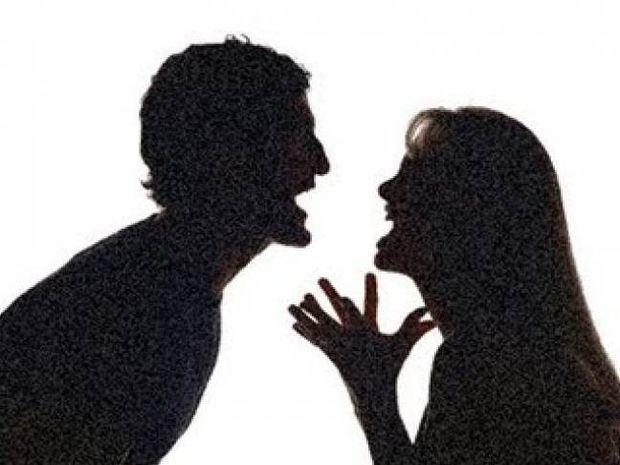 Σάλος με καθηγητή στην Πάτρα: Η πρώην τον «φέσωσε» και τον έβγαλε gay!