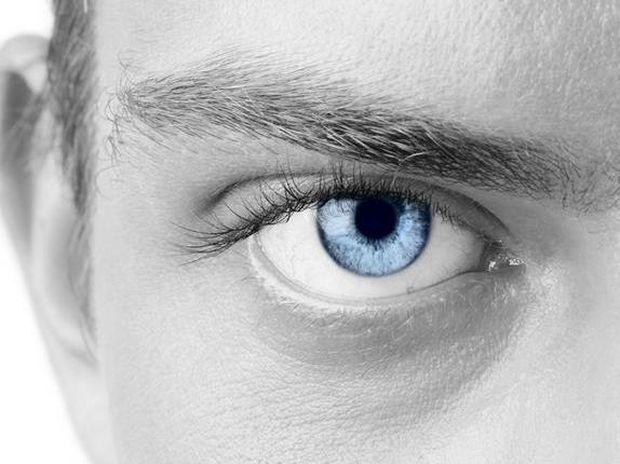 Έρευνα: Τι αποκαλύπτει το βλέμμα των ανδρών...