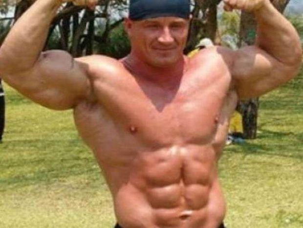 ΑΠΙΣΤΕΥΤΟ: Bodybuilder καταφέρνει το αδύνατο (video)