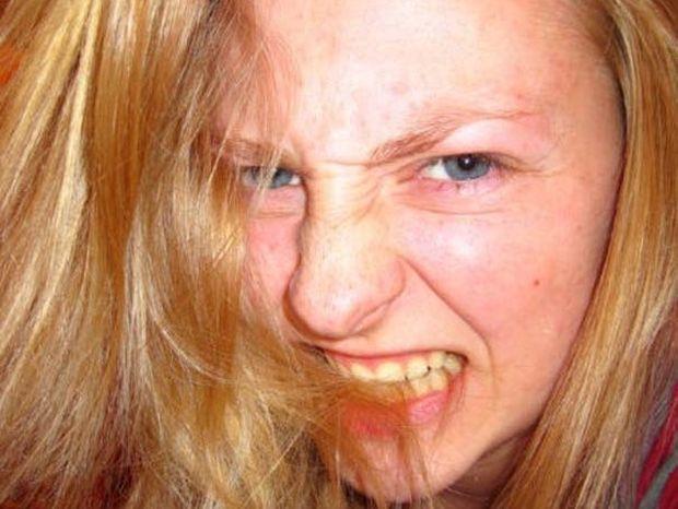 ΔΕΙΤΕ: Αυτή η κοπέλα έχει μια πραγματικά σοκαριστική συνήθεια