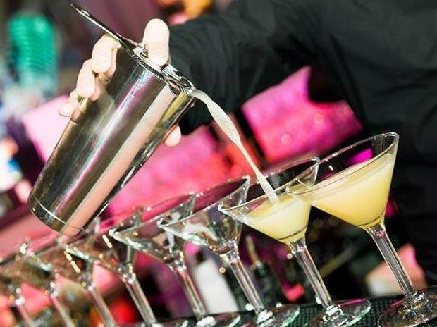 Αλκοολούχα ποτά: Βασικοί κανόνες για να γλιτώσετε θερμίδες
