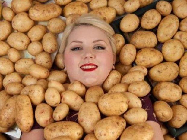 Η κοπέλα που τρέφεται αποκλειστικά με πατάτες! Διαβάστε το γιατί