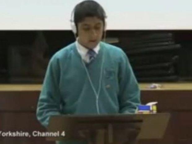 16χρονος με τραυλισμό κατάφερε να μιλήσει προκαλώντας συγκίνηση!